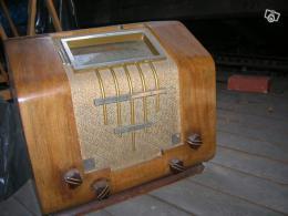 Ancien Poste de radio année 1940
