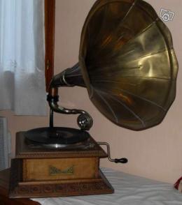 Ancien Phonographe à Pavillon Innophone Collection