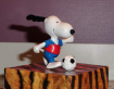 Figurine snoopy footballeur