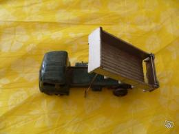 Miniature Dinky Toy camion benne cargo simca 1950-60