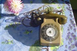 Vivre sans internet et sans portable, facile ou pas ? Telephone_ancien_a_cadran_260_350