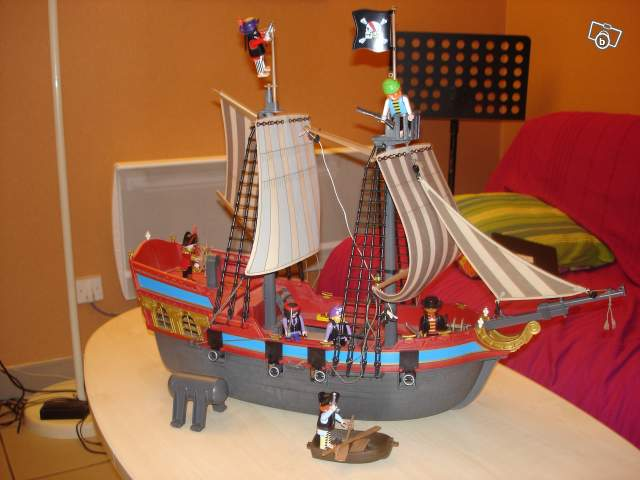 bateaux pirate playmobile