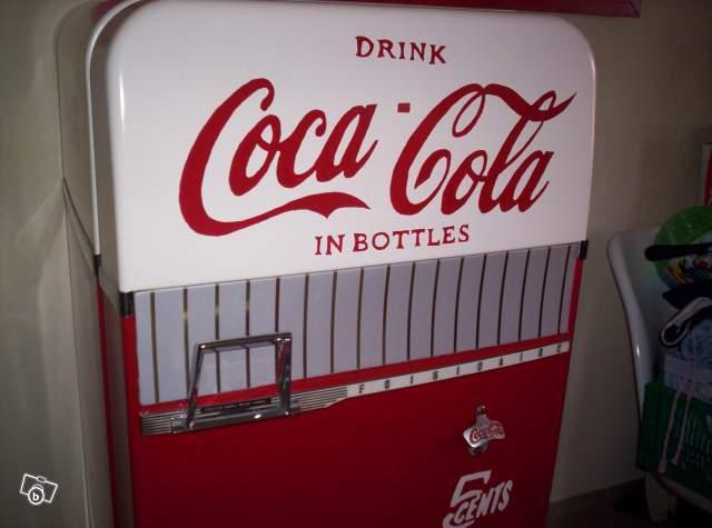 Frigo ancien coca cola