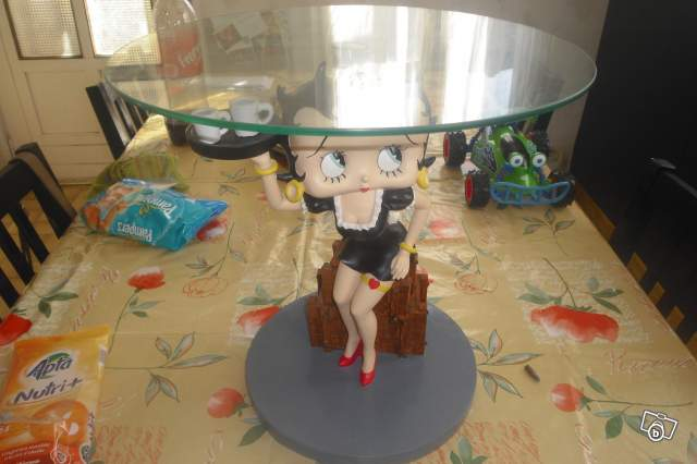 Table Betty Boop