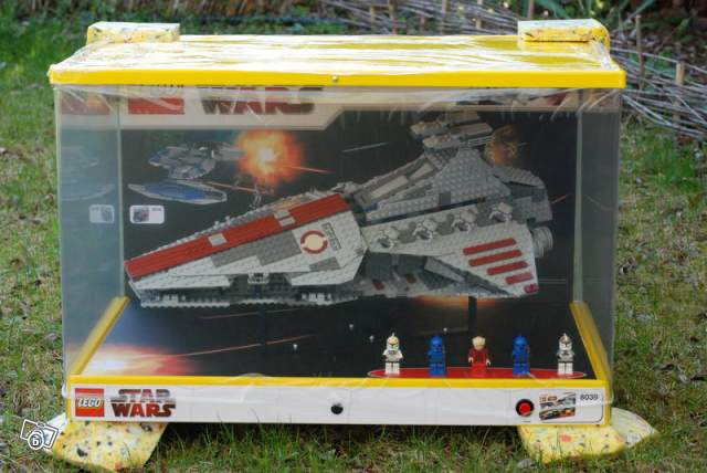 Vitrine Lego Star Wars Venator Republic Cruiser Collection