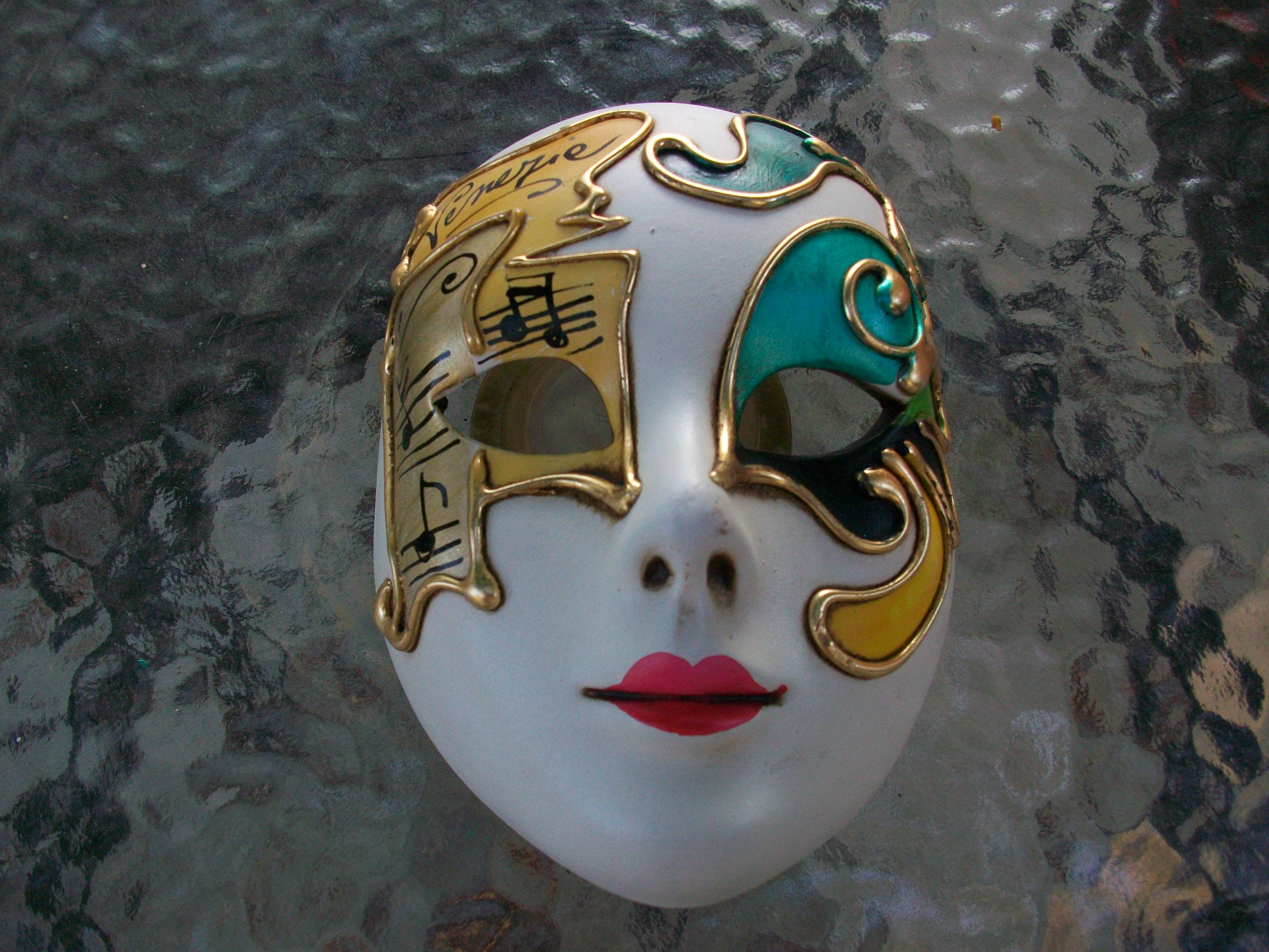 2 masques de venise porcelaine collection. Black Bedroom Furniture Sets. Home Design Ideas