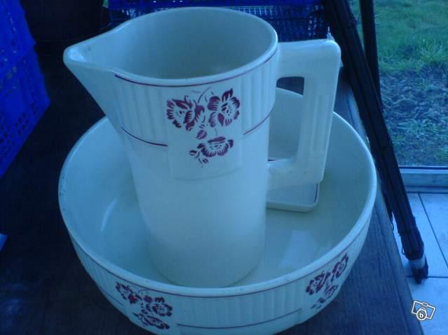 broc d 39 eau ancien avec sa vasque badonvillier collection. Black Bedroom Furniture Sets. Home Design Ideas