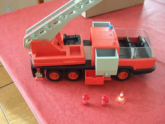 ancien camion de pompier playmobil collection. Black Bedroom Furniture Sets. Home Design Ideas