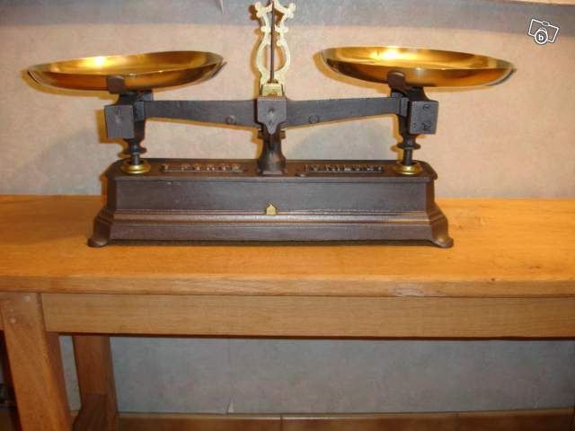 ancienne balance roberval collection. Black Bedroom Furniture Sets. Home Design Ideas