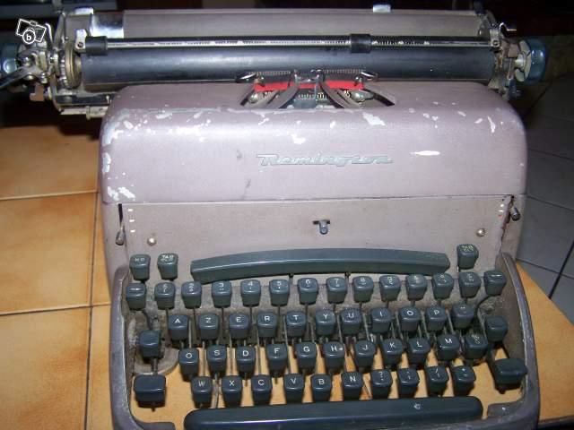ancienne machine crire des ann es 50 remington collection. Black Bedroom Furniture Sets. Home Design Ideas