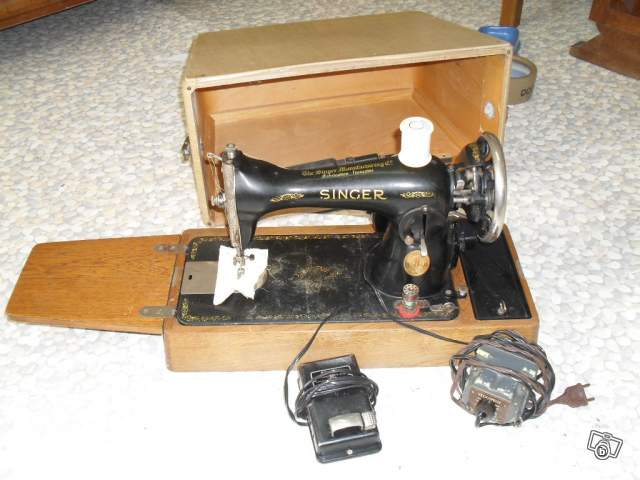 ancienne machine coudre singer mod le lectrique collection. Black Bedroom Furniture Sets. Home Design Ideas