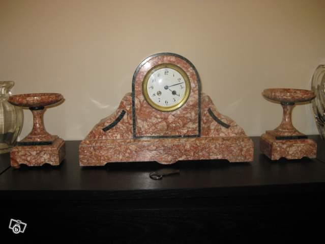 ancienne pendule en marbre rose collection. Black Bedroom Furniture Sets. Home Design Ideas