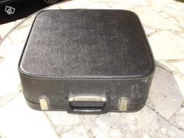 ancienne machine crire erika avec valise collection. Black Bedroom Furniture Sets. Home Design Ideas