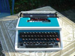 ancienne machine crire underwood 315 portative collection. Black Bedroom Furniture Sets. Home Design Ideas