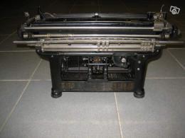 ancienne machine crire underwood 1915 collection. Black Bedroom Furniture Sets. Home Design Ideas