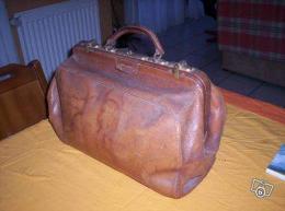 ancienne valise de m decin en cuir 1900 collection. Black Bedroom Furniture Sets. Home Design Ideas