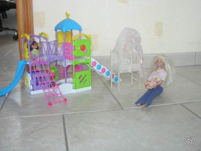 Barbie et le jardin d 39 enfant de son b b collection - Jardin d enfant en tunisie ...