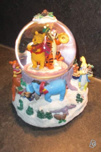 Boule musical winnie l 39 ourson no l collection - Winnie l ourson noel ...