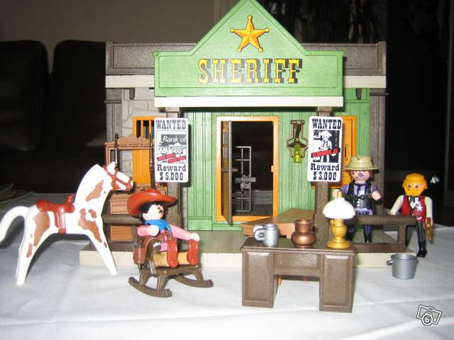 bureau de sheriff playmobil collection. Black Bedroom Furniture Sets. Home Design Ideas
