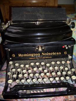 machine a ecrire de marque remington collection. Black Bedroom Furniture Sets. Home Design Ideas