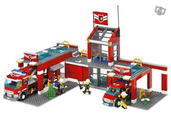 caserne de pompiers lego collection. Black Bedroom Furniture Sets. Home Design Ideas