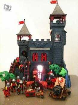 ch teau dragon rouge playmobil collection. Black Bedroom Furniture Sets. Home Design Ideas