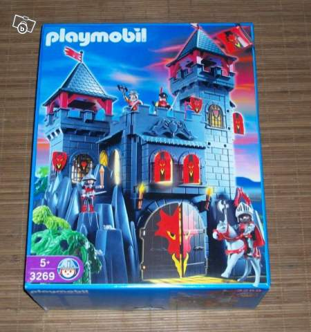 ch teau du dragon rouge playmobil collection. Black Bedroom Furniture Sets. Home Design Ideas