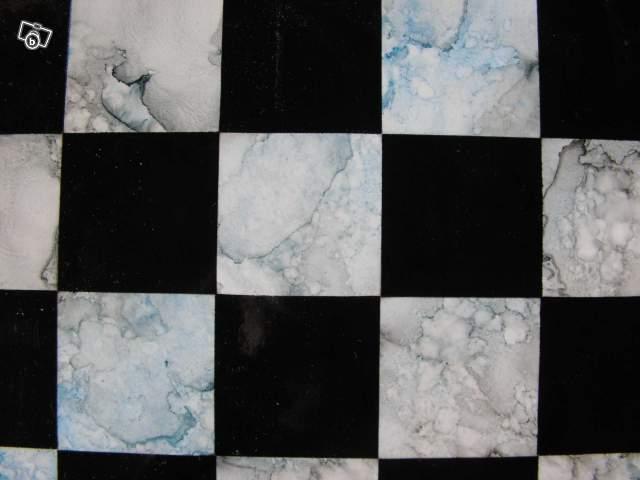 echiquier en bois imitation marbre bleu collection. Black Bedroom Furniture Sets. Home Design Ideas
