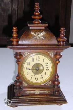 horloge style henri ii xvi me collection. Black Bedroom Furniture Sets. Home Design Ideas