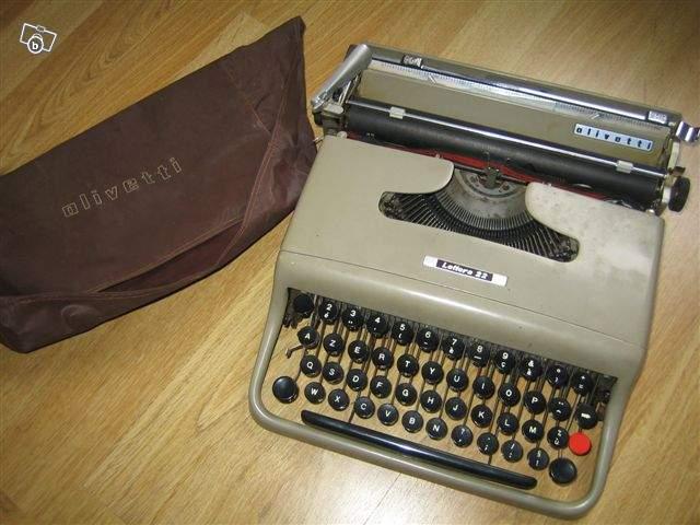 machine crire ancienne olivetti lettera 22 collection. Black Bedroom Furniture Sets. Home Design Ideas