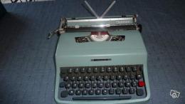 machine crire portable 1960 olivetti lettera 32 collection. Black Bedroom Furniture Sets. Home Design Ideas