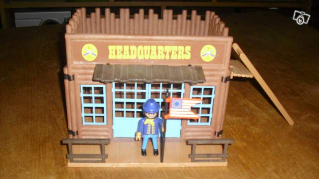 Maison playmobil vintage western collection for Modele maison playmobil