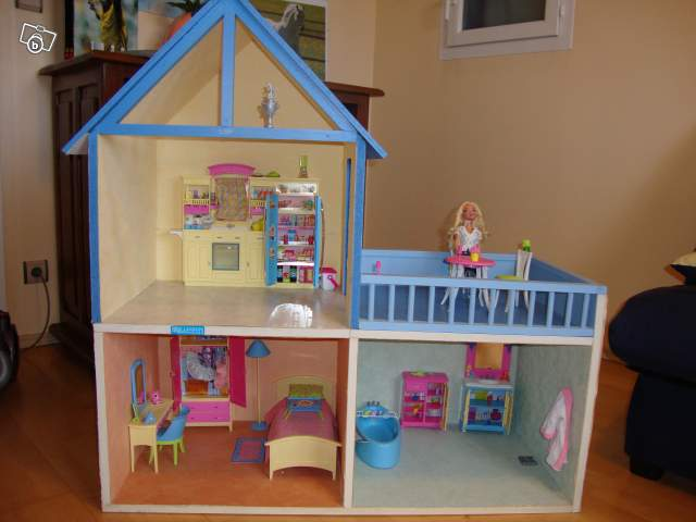 maison de barbie en bois collection. Black Bedroom Furniture Sets. Home Design Ideas