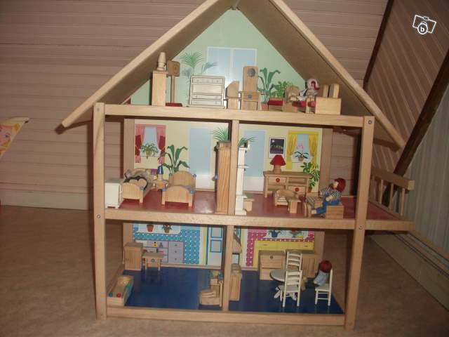 maison barbie en bois. Black Bedroom Furniture Sets. Home Design Ideas