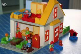 maison avec accessoires playmobil 123 collection. Black Bedroom Furniture Sets. Home Design Ideas