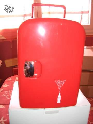 mini frigo coca cola but appareils m nagers pour la vie. Black Bedroom Furniture Sets. Home Design Ideas