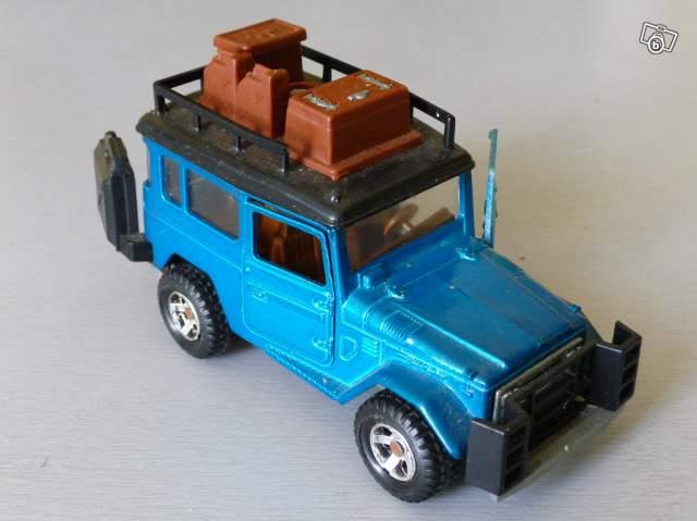 miniature de voiture 4 4 toyota majorette collection. Black Bedroom Furniture Sets. Home Design Ideas