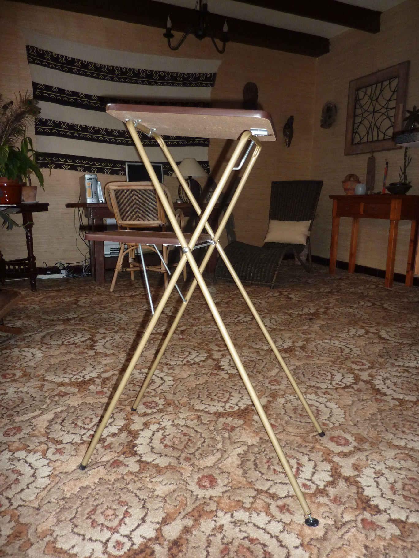 ancienne table en formica pour visionneuse diapo ou film collection. Black Bedroom Furniture Sets. Home Design Ideas