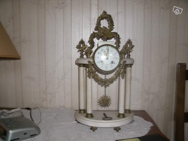 pendule en marbre collection. Black Bedroom Furniture Sets. Home Design Ideas
