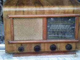 poste de radio ancien bois le regional collection. Black Bedroom Furniture Sets. Home Design Ideas