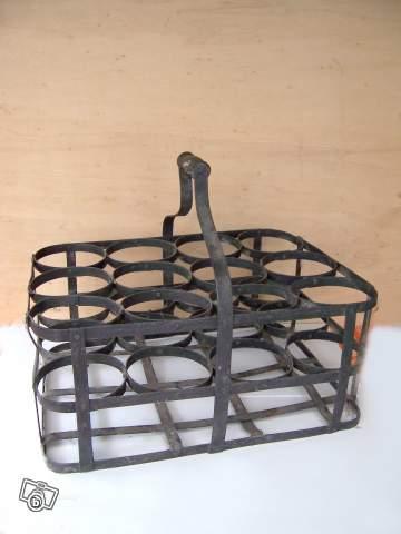 rare ancien casier bouteilles en fer collection. Black Bedroom Furniture Sets. Home Design Ideas