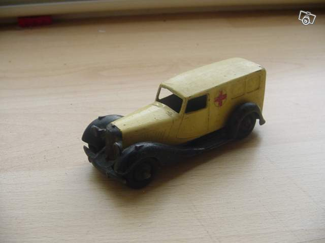 rare miniature ambulance 30f dinky toys collection. Black Bedroom Furniture Sets. Home Design Ideas