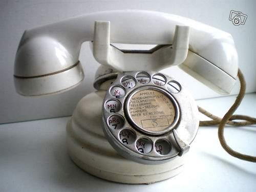 t l phone cadran 1950 en bak lite blanche collection. Black Bedroom Furniture Sets. Home Design Ideas