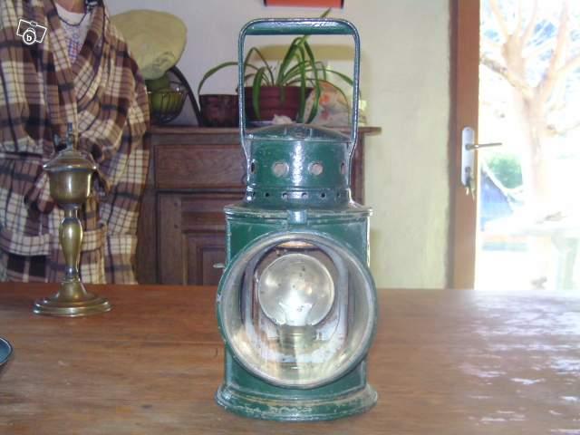 Lampe chemin de fer anglais collection for Lampe de chevet anglais