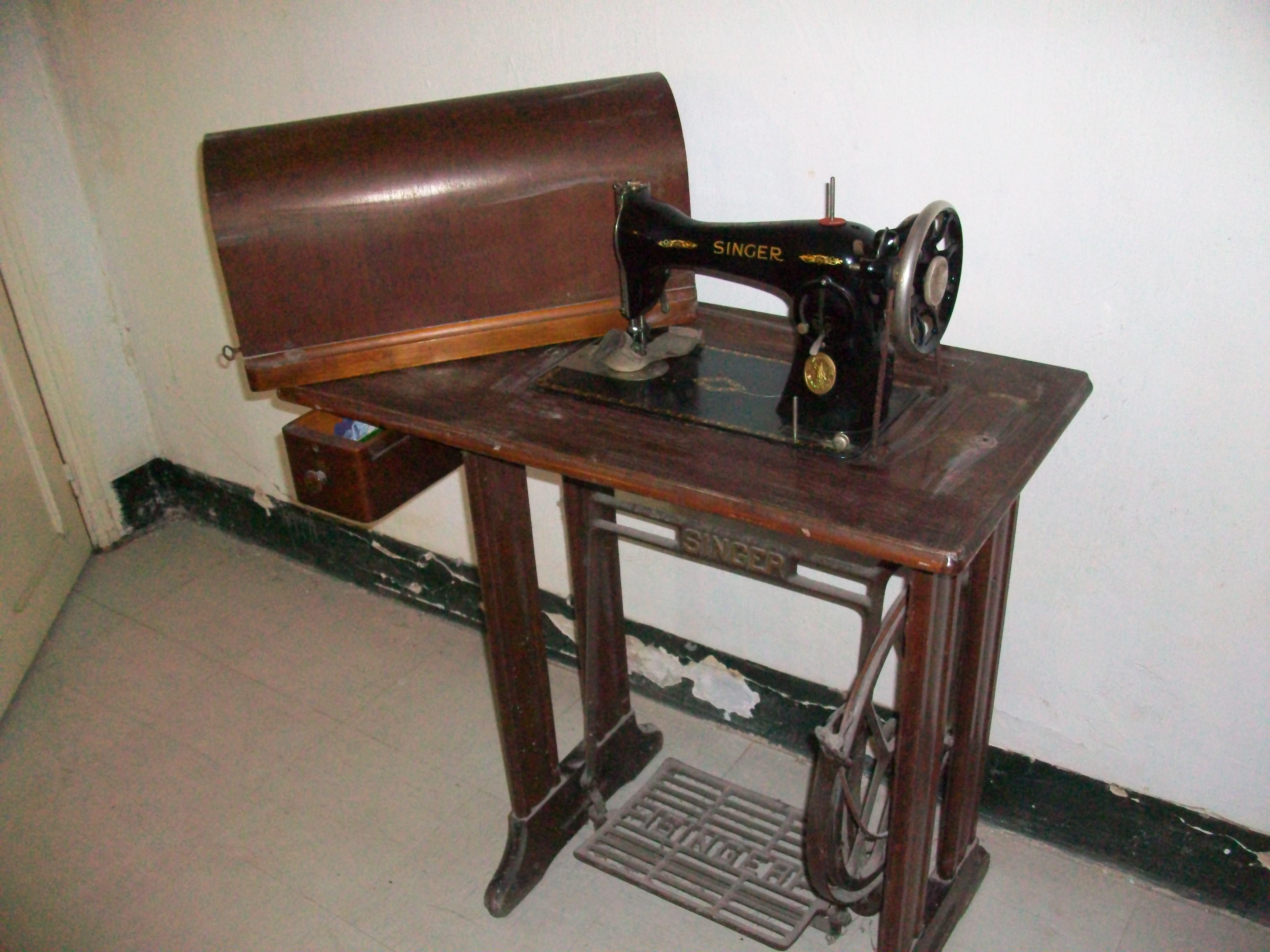machine coudre singer 1900 collection. Black Bedroom Furniture Sets. Home Design Ideas