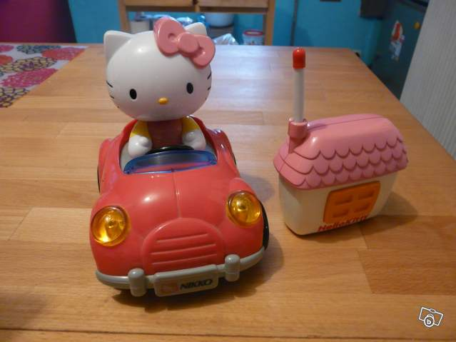 voiture t l command e hello kitty collection. Black Bedroom Furniture Sets. Home Design Ideas
